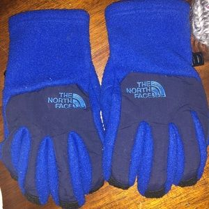 98130003434 The North Face Accessories - Matching boys size small hat and glove set